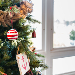 coastal haven design | coastalhavendesign.com | Christmas ornament detail