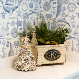 coastal haven design | coastalhavendesign.com | holiday decor in bathroom