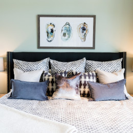 coastal haven design | coastalhavendesign.com | bedroom with oyster shell painting