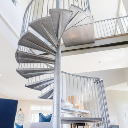 coastal haven design | coastalhavendesign.com | winding staircase