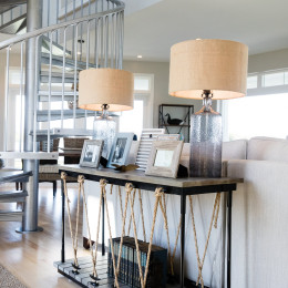 coastal haven design | coastalhavendesign.com | table with lamps and picture decor