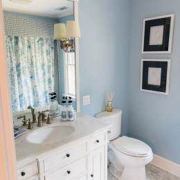 coastal haven design | coastalhavendesign.com | bathroom vanity blue