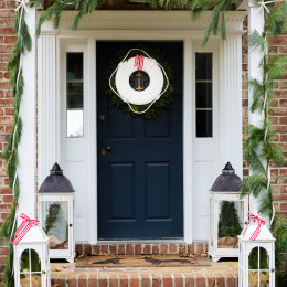 coastal haven design | coastalhavendesign.com | buoy wreath and holiday decor