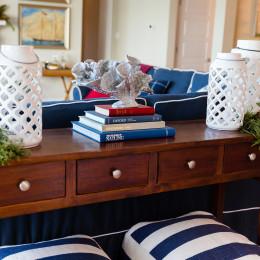coastal haven design | coastalhavendesign.com | table with holiday decor