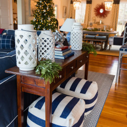 coastal haven design | coastalhavendesign.com | table and seating with holiday decor