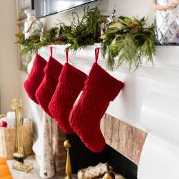 coastal haven design | coastalhavendesign.com | stockings on mantle