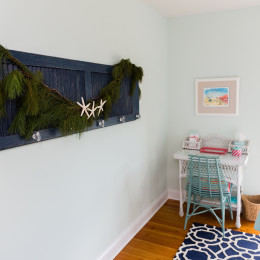 coastal haven design | coastalhavendesign.com | bedroom holiday decor