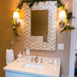coastal haven design | coastalhavendesign.com | bathroom vanity holiday swag