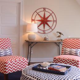 coastal haven design | coastalhavendesign.com | red and navy sitting area