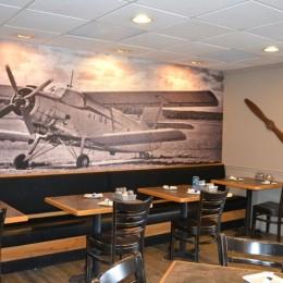 coastal haven design | coastalhavendesign.com | ledo's pizza edgewater tables