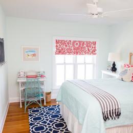 coastal haven design | coastalhavendesign.com | blue and coral bedroom