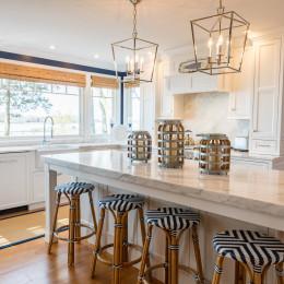 coastal haven design | coastalhavendesign.com | kitchen bar stools